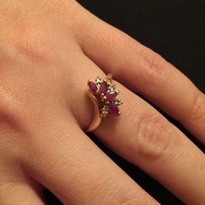 10K Gold Ring with Ruby color Gemstones